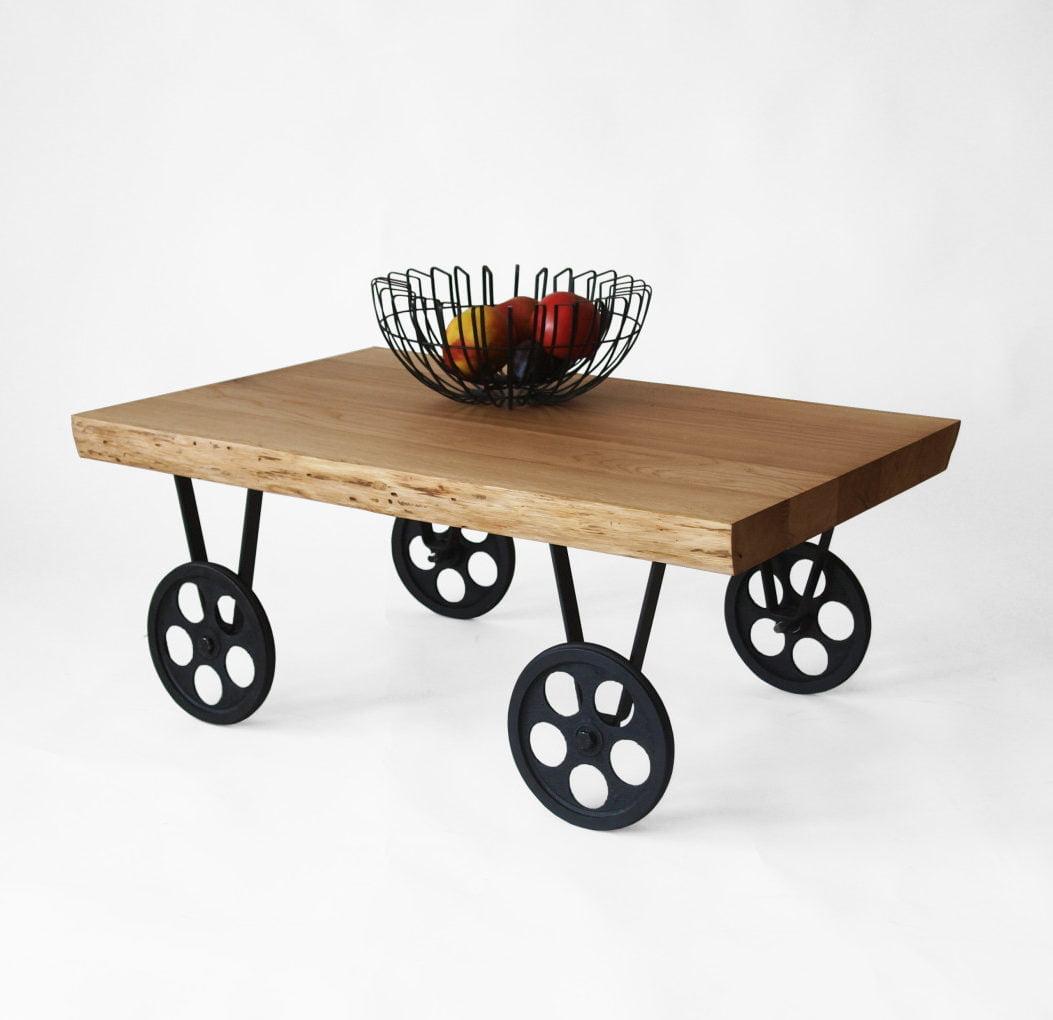 TOLIK 01 dębowy stolik kawowy na metalowych czarnych kółkach w industrialnym stylu