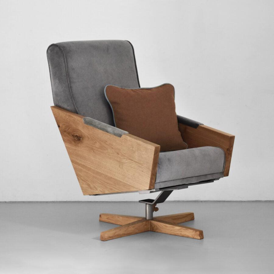 obrotowy dębowy fotel ENI